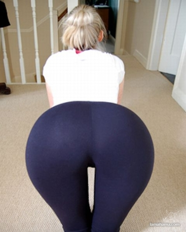 66_6-hot-girls-in-tight-leggings