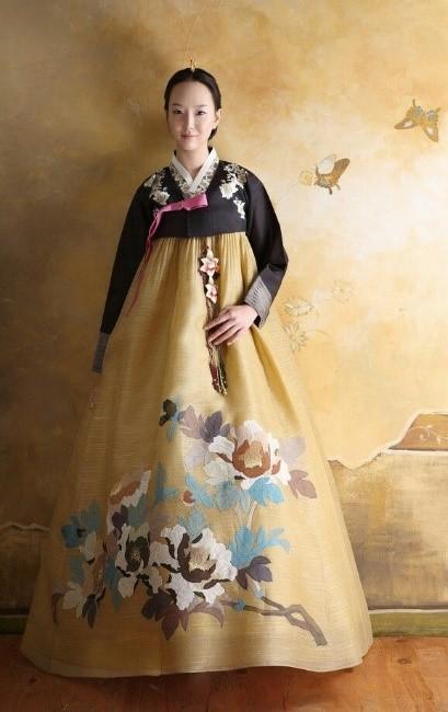 gold hanbok